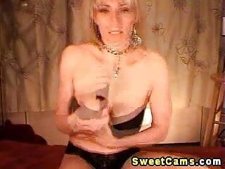 Seductive blond webcam strip