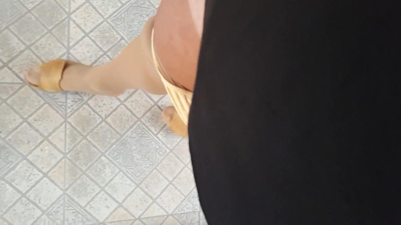 Amateur Piernas Abierta Porno Con Vestido acostada en pantymedias - amateur, crossdresser, hd videos