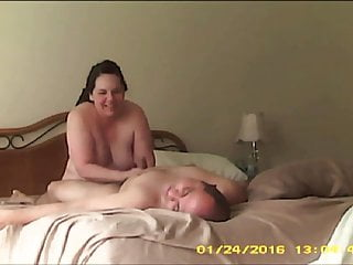 Tits Voyeur Blowjob vid: Happy Chubby Wife