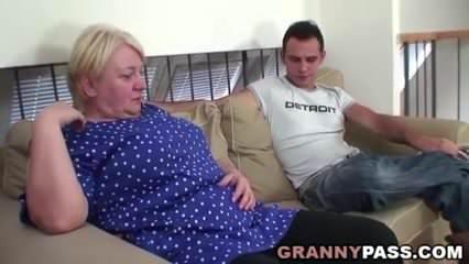 Duci amatőr anya és fia szex videó