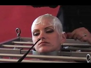 Humiliation video: juste obeir