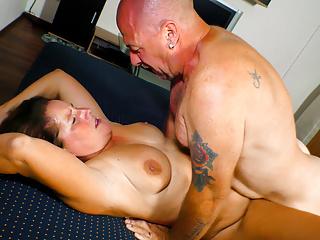 Letsdoeit amateur gets hard pussy banged...