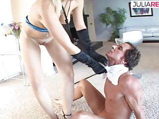 Erst wird er unterworfen, dann darf er sie anal ficken,
