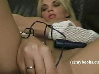 Ines Cudna masturbate with electrick egg