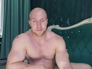 Somehow You've Got To See This BodyBuilder Cheeks – Special