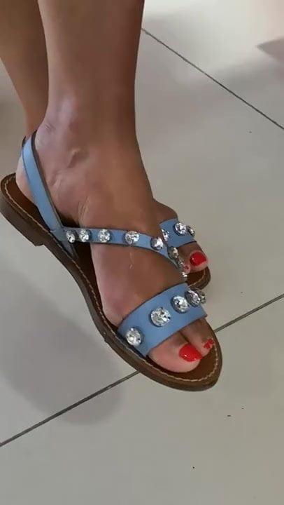 feet in high heels fetish