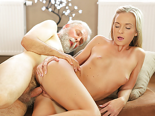 OLD4K. Shanie Ryan finally tries dick of her Geography…