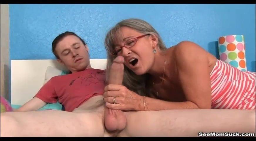 Lesbian Step Mom Seduction