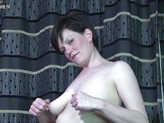 Hot mom needs a good fuck...